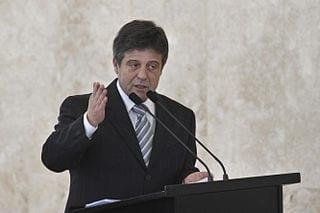 Mendes Ribeiro deixa o ministério para cuidar da saúde