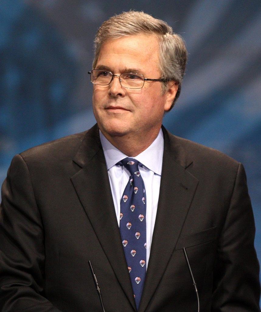 Jeb Bush deve  entrar na corrida presidencial