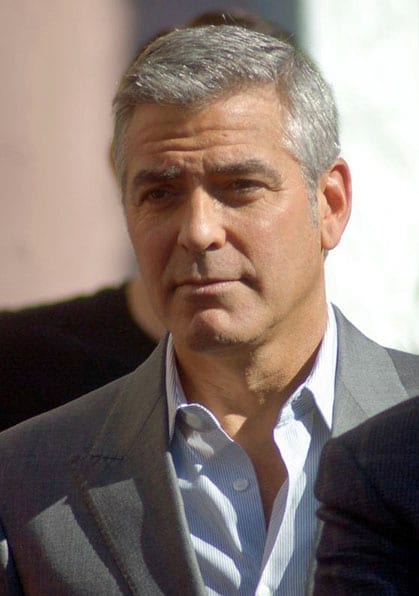 O ator George Clooney está fora do mercado