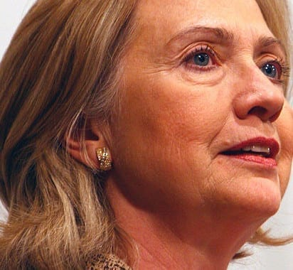 Hillary anuncia candidatura daqui a pouco