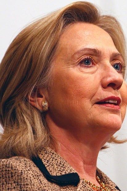É um triste e doloroso adeus : Hillary Clinton parece cansada antes da campanha presidencial