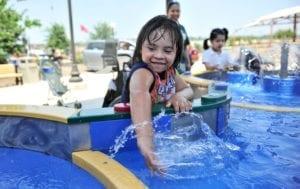 1MorgansWonderland 7080 300x189 Para aquático para deficientes físicos