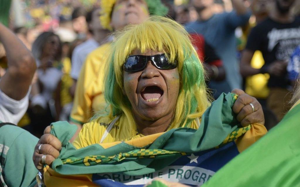 É hora do povo brasileiro fazer a revolução