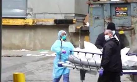 Mais de mil pessoas  morrem em um único dia devido ao coronavírus NOS EUA, dobrando o pior número de mortes diárias da gripe
