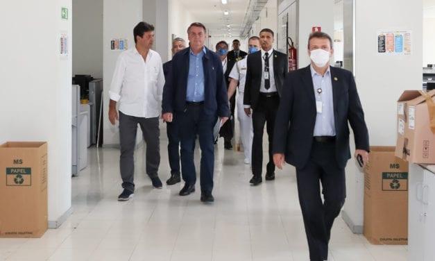 BRASILEIROS DEVEM RESPONSABILIZAR  BOLSONARO PELAs MORTEs QUE ELE PODERIa TER EVITADO