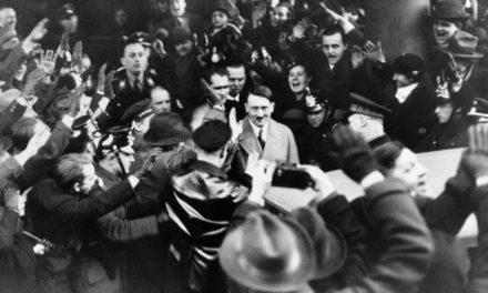 Hitler foi empossado como Chanceler da Alemanha