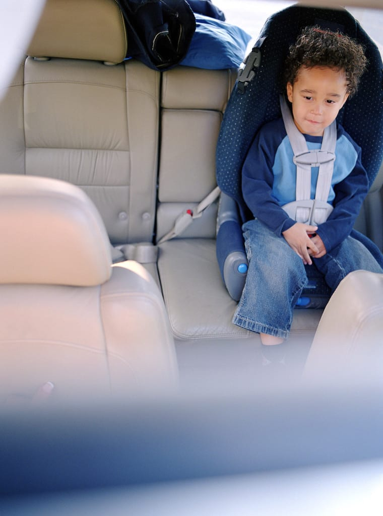 Ministério da Justiça anuncia recall de cadeiras plásticas e de cadeirinhas de bebê para automóveis