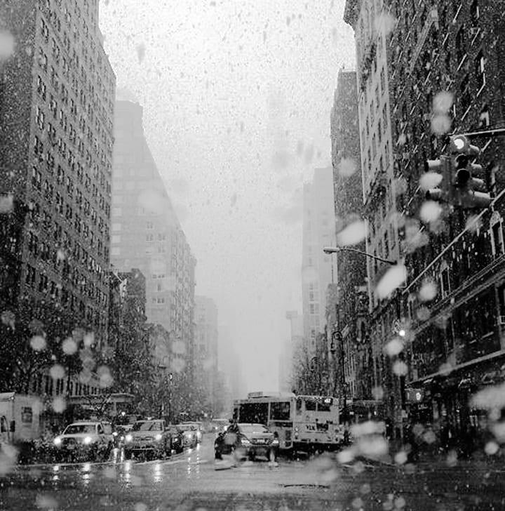 Assista ao que acontece no centro de Manhattan