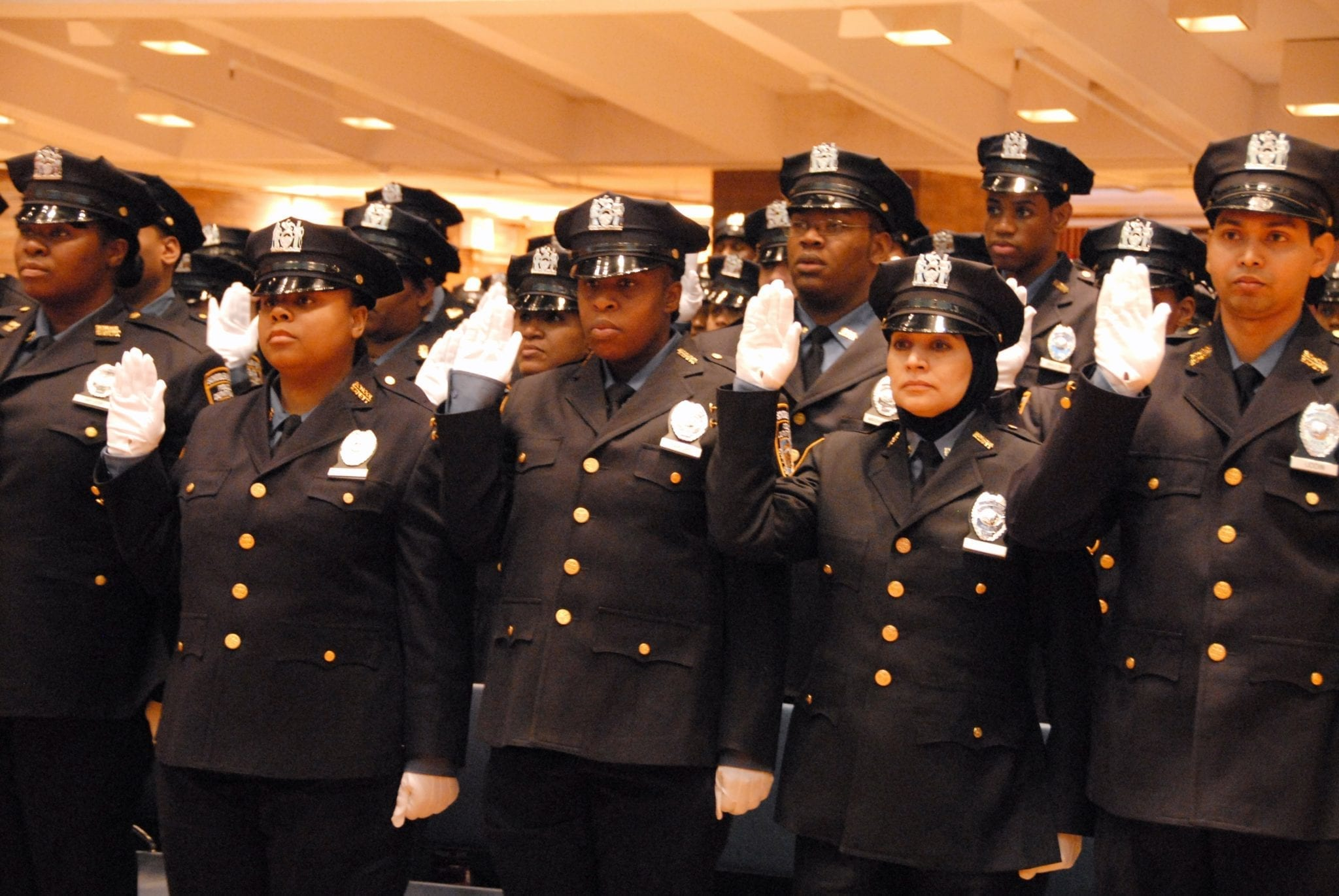 A imprensa brasileira diz que a polícia de Nova Iorque é racista