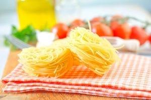 pasta566777b 300x198 raw pasta and tomato