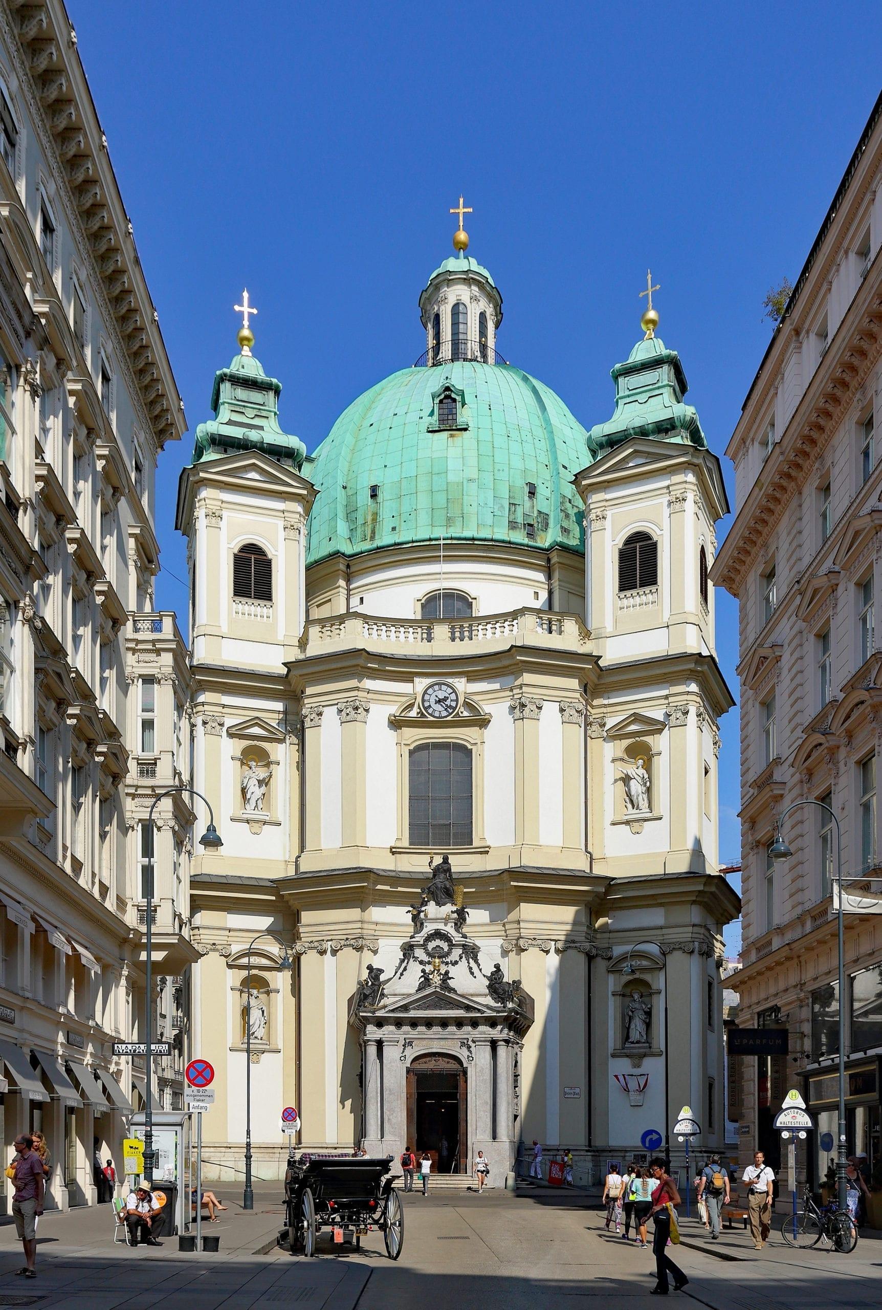 Domingo de manhã,  Igreja St Stephen's em Viena . Eles estão cantando Hallelujah