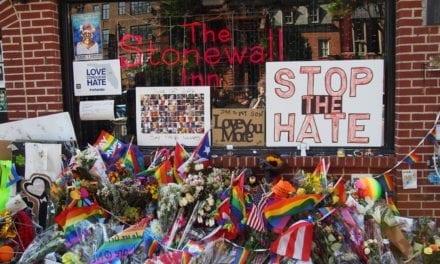 Famoso advogado  que lutava   pelos direitos dos homossexuais morre depois de atear fogo no próprio corpo