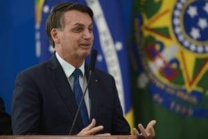 ministro da saude nelson teich 0417202288 1 300x200 O presidente da República, Jair Bolsonaro, durante solenidade de posse do novo  ministro da Saúde, Nelson Teich, no Palácio do Planalto